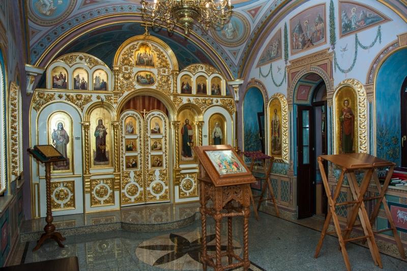 Иконостас храма святой Елизаветы в Покровском-Стрешневе